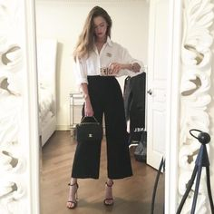 Looks 'Fifís' to take to the office - Looks 'Fifís' to take to the office You are in the right place about outfits formales Here we - Office Outfits Women, Casual Outfits, Fashion Outfits, Womens Fashion, Fashion Trends, Work Outfits, Classy Chic Outfits, Spring Outfits, Classy Outfits For Women