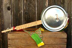 big green cookie tin ukulele w video!