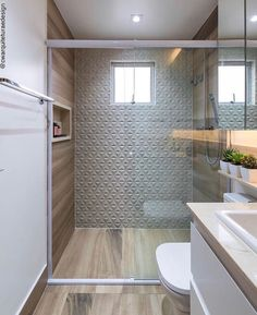 Beautiful bathroom with porcelain that mimics wood and Cw Architecture Project . - Design Cointrend News Modern Bathroom Design, Bathroom Interior Design, Bathroom Showrooms, Home Decor Furniture, Beautiful Bathrooms, Small Bathroom, Living Room Designs, House Design, Decoration