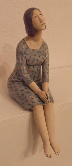 'Sitting Pretty' sculpture by Elizabeth Price