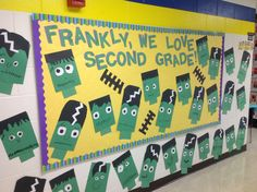 Halloween Bulletin Board Ideas to give your Classroom a Spooky Look - Hike n Dip Thinking about giving your classroom a spooktacular look for October? Have a look at these wonderful Halloween Bulletin board Ideas for your classroom. October Bulletin Boards, Elementary Bulletin Boards, Kindergarten Bulletin Boards, In Kindergarten, Elementary Library, Elementary Schools, Halloween Classroom Door, Halloween Bulletin Boards, Birthday Bulletin Boards