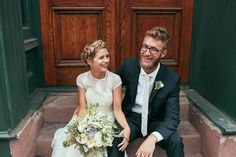 Bride and groom wedding portraits  | fabmood.com #rooftopwedding #shortweddingdress #weddingdress #bluepumps #blueshoes #bride