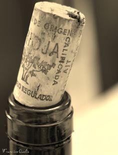 Vino de Rioja by Francisco Queliz on Flickr. Tra la forma della Vita e la VitaLa differenza è la stessaDi un Liquore fra le LabbraE un Liquore nella BottigliaL'ultimo - eccellente da conservare -Ma per l'estatico bisognoLo stappato è superiore -Lo so perché ho provatoEmily Dickinson