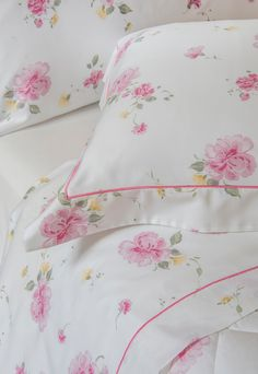 Bath Table, Cushion Embroidery, Sewing Collars, Bed Pillows, Cushions, Teepee Kids, Bed Linen Design, Dream Bedroom, Table Linens