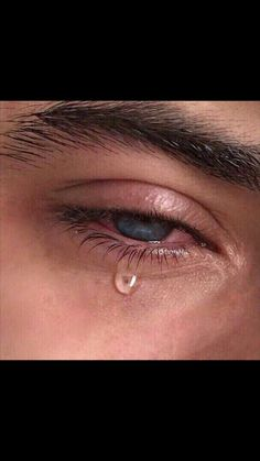 Ideas eye crying photography beautiful for 2019 Boy Crying, Crying Eyes, Tears In Eyes, Sad Eyes, Crying Aesthetic, Aesthetic Eyes, Aesthetic Grunge, Pretty Eyes, Beautiful Eyes