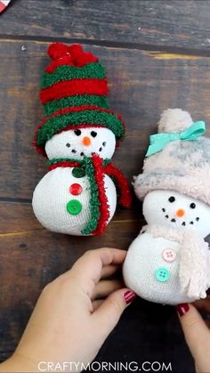 Easy sock snowman craft fun christmas craft for kids to make! fun christmas art project that you can make in the classroom daycare etc homemade diy project to put up for holiday decor! fuzzy sock snowmen directions step by steps no sew sock gnome Christmas Art Projects, Christmas Ornament Crafts, Xmas Crafts, Christmas Fun, Christmas Presents, Sock Crafts, Christmas Crafts For Adults, Santa Ornaments, Thanksgiving Crafts