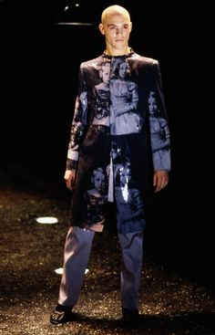 Alexander McQueen Fall 1998 Ready-to-Wear Collection Photos - Vogue (the pictures are of the Romanov children) Alexander Mcqueen Savage Beauty, Alexander Macqueen, Mcqueen 3, British Fashion Awards, English Fashion, Alexander The Great, Dark Fashion, Men Fashion, Runway Fashion