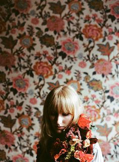 Portrait of a woman, floral, floral background, blonde - Rachael Schirano Photography