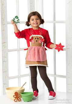 Child's gingerbread apron costume - fast and easy #holiday fashion! #SimplicityPatterns #Crafts