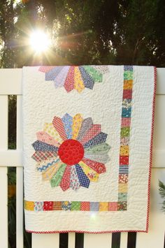 Vintage-inspired Dresden Plate quilt finish - Diary of a Quilter - a quilt blog