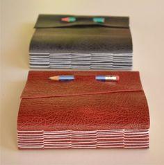 * N e g r o y B o r d o * costura expuesta - cubierta en cuero