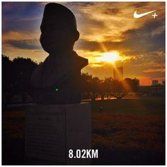"""By the statue of  Muhammad Husni Thamrin (1894 -1941) one of Indonesian heroes known for his fight against the Dutch colonials and first to declare to use the term """"Indonesia"""" as a replacement to """"Dutch Indie"""" #nikeplus #myrun #morningrun #goodmorning #statue #thamrin #instarunners #instarunner #8k #sunrise #silhouette #yellowsky #jakarta #indonesia #park #laripagi #nationalist #heroes #nationalhero"""