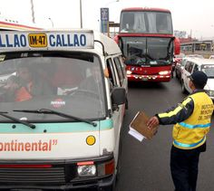 La Gerencia de Transporte Urbano (GTU) de la Municipalidad de Lima iniciará operativos con el fin de retirar de circulación a las unidades vehiculares de 29 empresas de transporte que no cumplieron con presentar su documentación para adecuarse al marco legal establecido en la Ordenanza 1876, que...