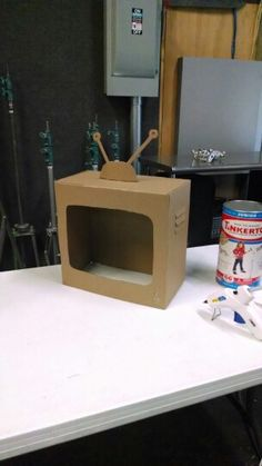 Hand built vintage tv prop / 'Kid President: Declaration of Awesome' tv show set, a cardboard TV out of a snack box.