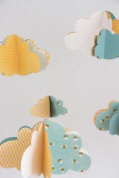 www.hautecomme3pommes.fr Boutique Etsy : www.etsy.com/fr/shop/HauteComme3Pommes mobile bébé nuages nursery chambre enfant