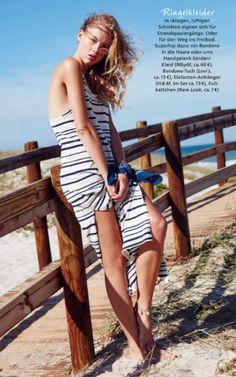 Ringelkleider in lässigen, luftigen Schnitten eignen sich für Strandspaziergänge. JETZT die neueste Ausgabe der JOY bei Readly lesen NR.08 2016