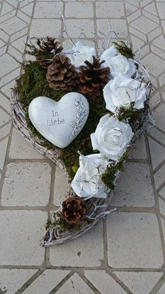 Plant bowls - grave arrangement, heart, grave decoration, funeral floristry, - a unique product by Die-Deko-Idee on DaWanda Cemetery Decorations, Wedding Car Decorations, Wedding Wreaths, Flower Decorations, Funeral Flower Arrangements, Funeral Flowers, Floral Arrangements, Christmas Crafts To Sell, Christmas Wreaths