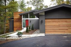 34 Ideas exterior paint colora for house contemporary garage doors for 2019 Ranch Exterior, Exterior Remodel, Modern Exterior, Modern House Colors, Modern House Design, Home Design, Design Ideas, Exterior Paint Colors For House, Exterior Colors