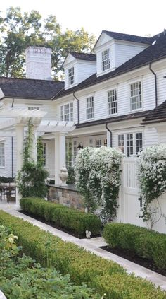 The exterior design of a home can often get overlooked, but as the first thing that welcomes both us and our guests, it is worth devoting some time tending to the outside of your house. The farmhouse exterior design totally… Continue Reading → Landscape Design, Garden Design, Landscape Walls, Jardin Decor, Design Exterior, Exterior Paint, Exterior Colors, Cafe Exterior, Exterior Signage