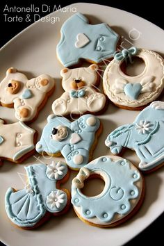 Baby cookies covered in fondant. Like the beige Teddy bears.