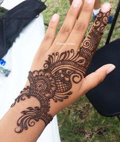 #hennalove #hennaartist #henna #hennaart #hennatattoo #hennadesign #mehndi #mehndiinspire #mehndidesign #mehndinight #weddinghenna #bridalhenna #hennawedding #instapost #dailypost #everydaypic #instagram #instagramer #orlandofl #orlandohenna #orlandowedding #2018wedding #2k18 #wedding2018 #orlandoartist #stylediaries #fashiondairies #wakeupbeautiful #summerweddings