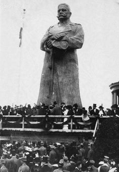 Unveiling a Statue of General Hindenburg, 1914. After the war it was dismantled into the 22 wooden blocks which made it up,carted to a warehouse in north Berlin,and used for fuel.The head was discovered on a dump in 1938.