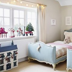 christmas bedroom decorating ideas that will make your scheme look magical - How To Decorate Your Bedroom For Christmas
