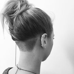 "165 Likes, 3 Comments - #BuzzCutFeed (@buzzcutfeed) on Instagram: ""Simply Stunning #undercut  Thx @nicolealexandridess"""