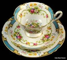 shelly vintage cup and saucers and cake plate
