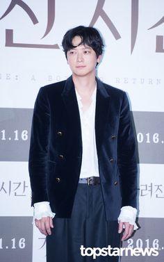 [HD포토] 강동원 고급스러운 블랙 앤 화이트 패션 #topstarnews Kang Dong Won, Lee Byung Hun, Hd Photos, Boys Who, Korean Actors, Future, Style, Fashion, Swag
