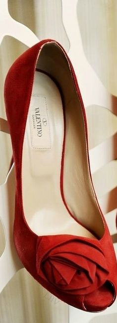 ~Valentino Peep-Toe Pump | House of Beccaria~