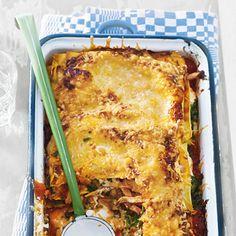 Recept - Easy lasagne met gerookte kip - Allerhande = echt easy!! binnen 10 minuten klaar en ... erg lekker! Tip; laat de spinazie van te voren ontdooien.
