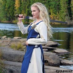 A really nice, high quality apron dress made from soft, dense wool that is very durable. The apron dress was a common garment among the Viking women. Our Viking Apron Dress is based on historical sources. Viking Clothing, Viking Jewelry, Woman Clothing, Viking Warrior, Viking Woman, Viking Art, Viking Cosplay, Viking Dress, Medieval Dress
