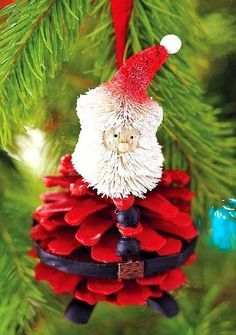 2013 Christmas Pinecones Crafts, PineCones Christmas Crafts for 2013 Christmas, Red Christmas Pine Cones on the trees
