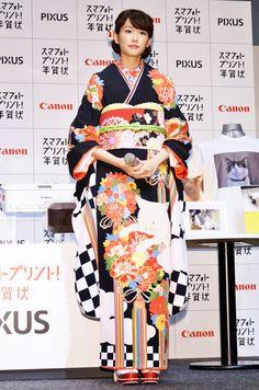 Mirei kiritani(桐谷美玲)/ 「2015年PIXUS スマフォトプリント!年賀状」新CM発表会 / 猫柄