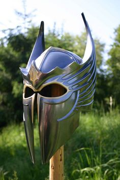 Gryphon knight plate helm with dragon motif by DragonArmoury