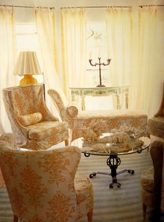 old fashion chairs bring so much class to a room.