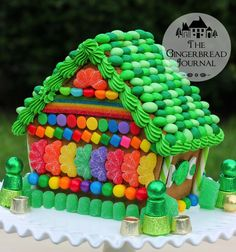 gingerbread house St. Patrick's Day 2015 great tutorials on this website! www.gingerbreadjournal.com
