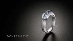 SCHAFFRATH | ref-no. l1001 - the classic | Simple and elegant, this classic piece in the LIBERTÉ® collection showcases the diamonds in a breathtaking way. | LIBERTÉ® ring in white gold 18K with 1 ct. diamond. Center stones in different carat weights and qualities. Ring available in gold 18K or platinum 950. Arch made from platinum-iridium.