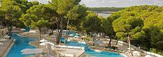L'hôtel IBEROSTAR Club Cala Barca est un hôtel 4 étoiles Tout Inclus qui a été entièrement rénové en 2010. Il se situe au bord de la mer Méditerranée, sur l'île de Majorque, dans une enclave privilégiée. Un hôtel 100% pour les enfants où vous pourrez passer d'excellentes vacances en famille tout en vous reposant.