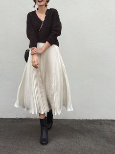Modest Fashion, Skirt Fashion, Fashion Outfits, Womens Fashion, Winter Date Outfits, Japanese Fashion, White Fashion, Feminine Style, Fashion Stylist