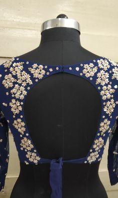Blouse Back Design Sari Design, Choli Blouse Design, Fancy Blouse Designs, Bridal Blouse Designs, Blouse Neck Designs, New Saree Blouse Designs, Diy Design, Interior Design, Choli Designs