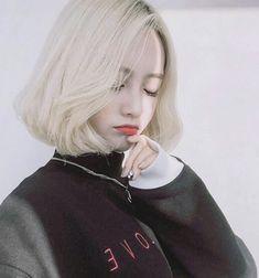 20 Ideas Hair Short Korean Ulzzang Seoul For 2019 Style Ulzzang, Korean Ulzzang, Cute Korean, Korean Girl, Asian Girl, Korean Short Hair, Blonde Asian, Uzzlang Girl, Girl Short Hair