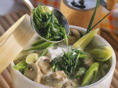 Hackfleisch-Pilz-Suppe mit Lauch und Schmelzkäse ist ein Rezept mit frischen Zutaten aus der Kategorie Eintöpfe. Probieren Sie dieses und weitere Rezepte von EAT SMARTER!