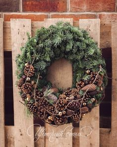 Discover thousands of images about Denappels Mehr Outdoor Christmas, Rustic Christmas, Christmas Art, Christmas Wreaths, Christmas Ornaments, Christmas Arrangements, Christmas Wonderland, Winter Wonderland, Christmas Flowers