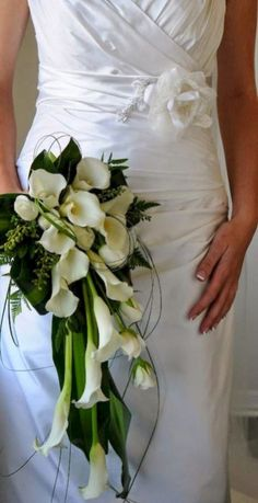 Black and White Wedding Flowers Lily Bouquets - Wedding Flower photos - Auckland Wedding Florists . Lily Bouquet Wedding, Cascading Bridal Bouquets, Calla Lily Bouquet, Cascade Bouquet, Bride Bouquets, Rose Bouquet, Flower Bouquets, Calla Lillies Wedding, Trailing Bouquet