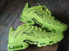 Nike Air Max Plus Hyperfuse Nike Tn, Nike Kicks, Basket Style, Air Max Sneakers, Sneakers Nike, Baskets, Nike Air Max Plus, Shoe Closet, Shoe Game
