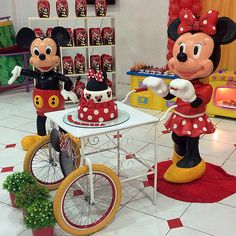 #party #birthday #disney #minnie #mickey #cake #decor #kids Mickey E Minie, Mickey Mouse, Mikey, Disney Characters, Fictional Characters, Birthday, Party, Kids, Love Rain