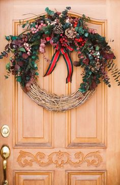 The Best Way to Clean a Grapevine Wreath | eHow.com