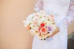 O bouquet de rosas do casamento de Andrea